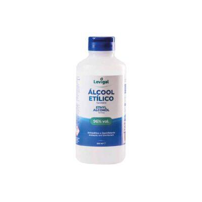 Embalagem de alcool etilico 96% antisséptico e desinfetante